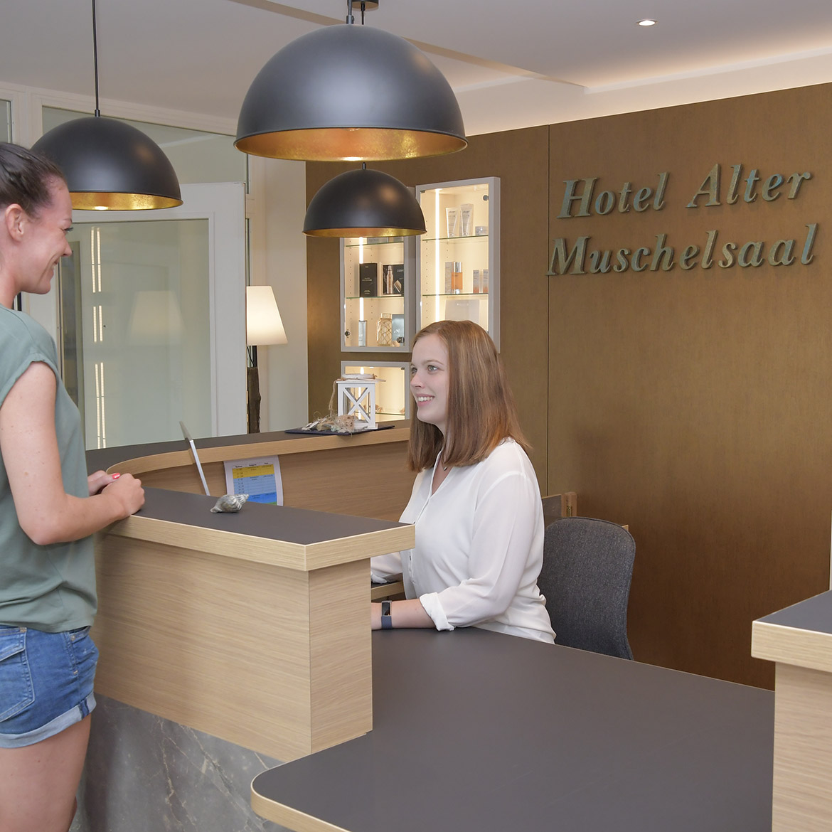 Hotel Check-In Alter Muschelsaal